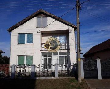 Priestranný rodinný dom  v Dvorníkoch za cenu 92 000 Eur