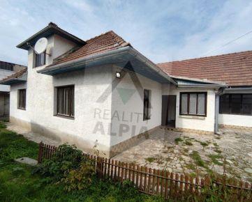 Pozemok so starým rodinným domom / 344 m2 / Žilina - Brodno