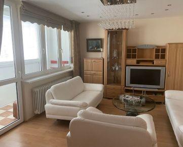 Pekný, zrekonštruovaný 3 izbový byt v širšom centre Robotnícka ul.
