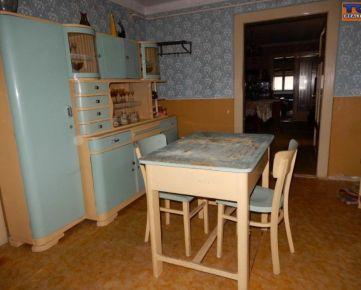 Starší vidiecky dom s veľkou záhradou 1160 m2, víkendová chatka, České Brezovo. CENA: 16 500,00 EUR
