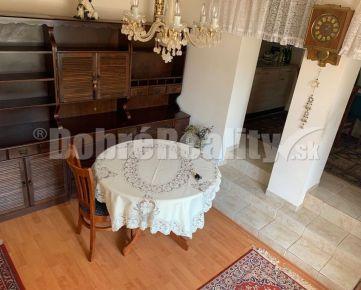 Na predaj starší zariadený vidiecky domček po čiastočnej rekonštrukcii v Hlohovci, m.č. Šulekovo.