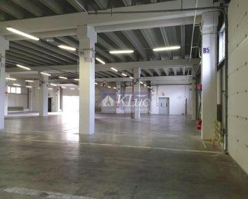 Samostatná skladovo-výrobná hala s administratívou a skladový priestor. Trstínska cesta
