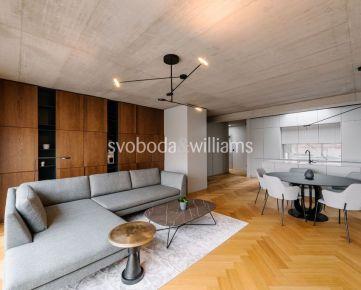 SVOBODA & WILLIAMS I Strešný 4-izbový byt vo vysokom štandarde s terasou v historickom centre Trnavy