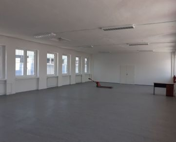 Prenájom obchod. priestorov 200 m2 v širšom centre
