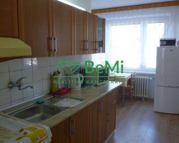 Na prenájom: Priestranný 2 ,5 izbový byt s balkonikom-Banská Bystrica-Fončorda (221-212-BB)