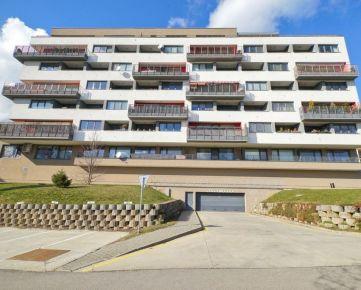 NA PREDAJ luxusný byt na Jesenskom vŕšku