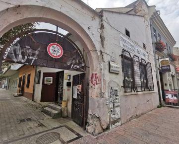 Na predaj MEŠTIANSKY DOM v historickom centre Košíc na KOVÁČSKEJ ulici.