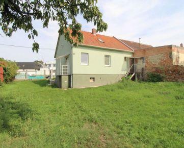 CASMAR RK -Starší dom na peknom pozemku v dobrej lokalite