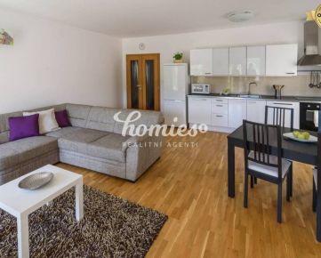 PRENÁJOM 4 izb.  luxusný byt,  širšie centrum, garáž, Nitra,