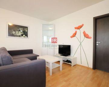 HERRYS - Na prenájom priestranný 2 izbový byt v Starom Meste