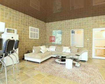 HERRYS - Na prenájom zariadený nadštandardný 2 izbový byt s terasou na Okánikovej ulici v Starom Meste