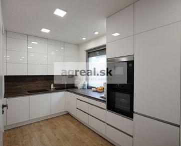 2-izb. byt s veľkým balkónom a parkingom v novostavbe -  Belánikova ul. - Bratislava IV