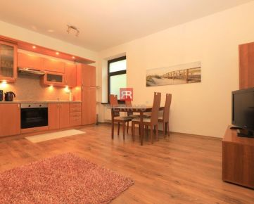 HERRYS - Na prenájom priestanný 2 izbový byt v tichej lokalite v Novom Meste časť Kramáre