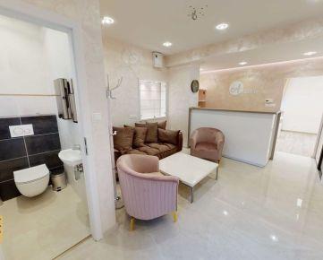 Ponúkame Vám na prenájom luxusný priestor pre kozmetický salón v centre Trenčína na Mierovom námestí