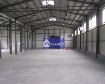 BA212 - Predaj, výrobná hala/sklad 1300 m2 s vlastným pozemkom, Vlkanová (10 km od BB, 10 km od ZV)