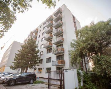IMPEREAL- Predaj 1-izb. bytu Ružinov - nová kompletná rekkonštrukcia.