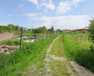 pozemok 905 m2 Šalgovík - Prešov