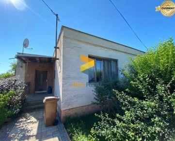 Rodinný dom / pozemok - Veľké Úľany   JKV REAL