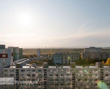 ZNIEVSKA, 2-i byt, 43 m2 - VÝHĽAD NA RAKÚSKE PLÁNE, bezproblémové parkovanie, CHORVÁTSKE RAMENO