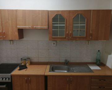 Prenájom 2-izb. bytu na Hanulovej ulici v Dúbravke