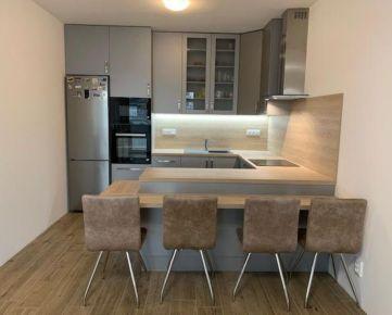 Krásny nový 2-izbový byt s terasou a parkovacím miestom v Senci