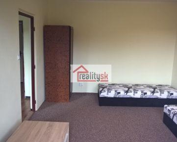 Prenajmem 1-izb slnečný byt vo vyhľadávanej časti TN - pekný výhľad