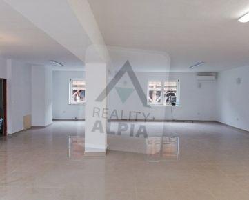 Obchodné priestory v polyfunkčnom objekte na prevádzku lekárne / 120 m2 / Žilina - Bôrik