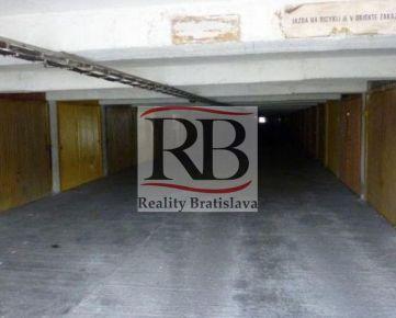 Na predaj jednotlivá garáž v garážovom dome na Pionierskej ulici v BAIII