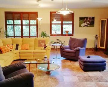 Luxusný 7. izbový RD, s poz. 1533 m2 Krbom v Martine