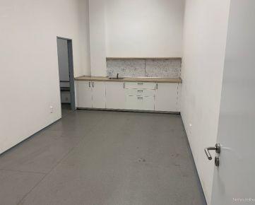 Prenájom skladových priestorov o výmere 500 m² na Bajkalskej ulici, Bratislava - Nové Mesto.