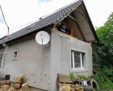 ZNÍŽENÁ CENA!!! Exkluzívne Vám ponúkame na predaj rodinný dom blízko centra v meste Žarnovica.