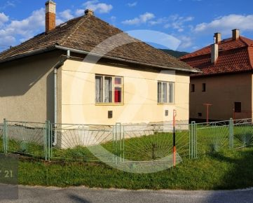 Menší domček na kľudné bývanie pri Ružíne.