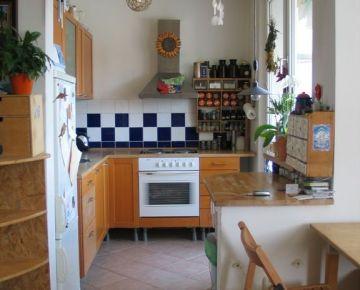 BOND REALITY – Ponúka na prenájom, slnečný 2 izbový byt s loggiou v BA V na       Cernyševského ul.