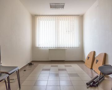 Prenájom - kancelária (15 m2) Spišská Nová Ves