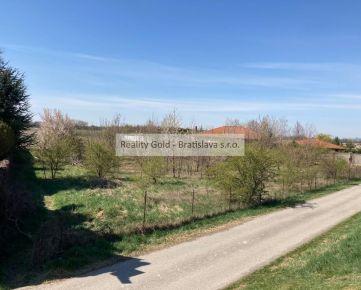 REALITY GOLD - Bratislava s.r.o. ponúka na predaj pozemok v obci ROVINKA
