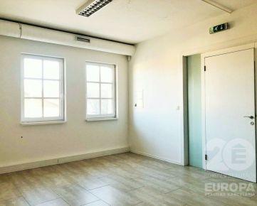 KANCELÁRSKE priestory - 22,26 m2,  20 m2, 25 m2, 89 m2, 114m2 -  výťah, recepcia a priestranný PARKING