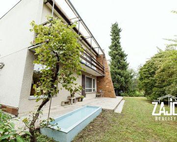 REZERVOVANÉ | 5 izbový rodinný dom  v mestskej časti Dolné Samoty v Novom Mesto nad Váhom.