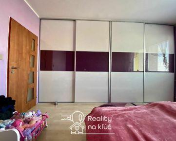 Krásny veľký 3-izbový byt po kompletnej rekonštrukcii s loggiou vo vyhľadávanej lokalite JUH v NZ