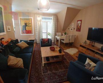 4 izbový MEZONETOVÝ byt, 10 km od TN a NM, 129 m2 s parkovaním