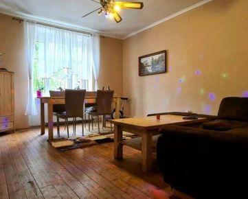 Ponúkam na predaj veľmi pekný 2-izbový byt na Tomašikovej .