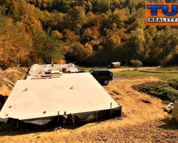 Oddychové sídlo, panenská príroda, pozemok 2004 m2, oáza pokoja. CENA: 29 990,00 EUR