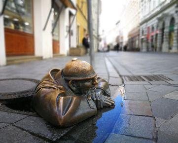 PREDAJ historickej budovy v srdci Bratislavy