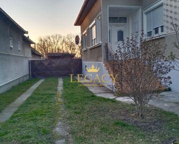 Exkluzívne - Rodinný dom s veľkým pozemkom v tichej lokalite (aj na HÚ)