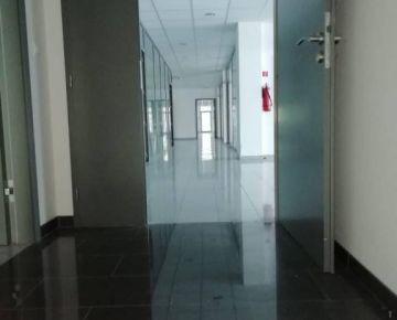 Administratívno prevádzková budova v BA- Ružinov.