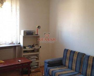 Na predaj 3 izbový tehlový byt v Banskej Bystrici