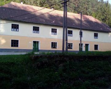 Podnikateľský objekt v obci Prakovce