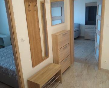 Ponúkame EXKLUZÍVNE na prenájom pekný 2-izbový byt