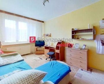 REZERVOVANÉ - Exkluzívne - 2 izbový byt - Októbrová ulica.