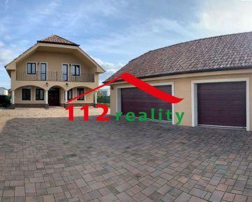 112reality - Na prenájom kvalitný 5 izbový dom s 2 kúpeľňami, trojgarážou, novostavba, len 6 km od Bratislavy