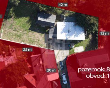 Direct Real - Na predaj slnečný pozemok v blízkosti centra mesta Trenčín so starším rodinným domom.